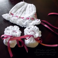 crocheted bonnet booties set