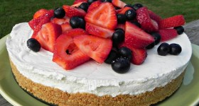 Beat the heat with this No-Bake Berry Cheesecake