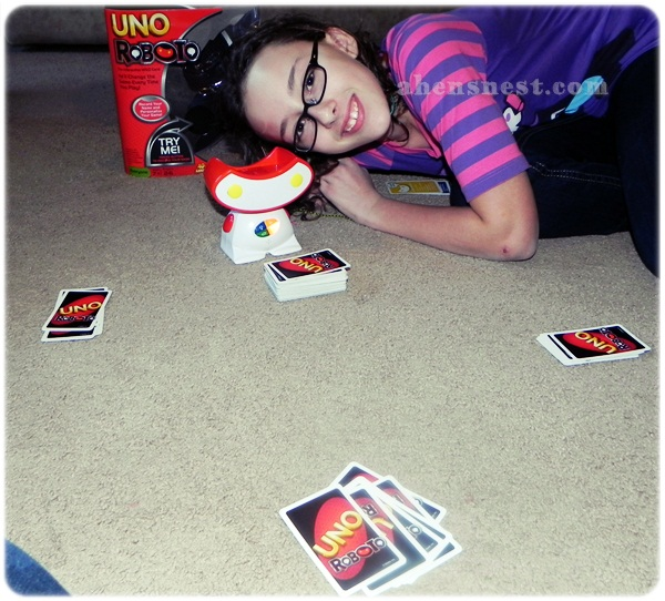 UNO Roboto game review