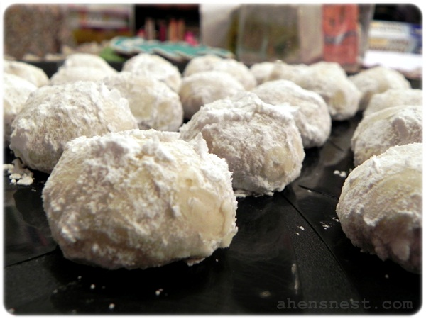 Russian tea cake cookies