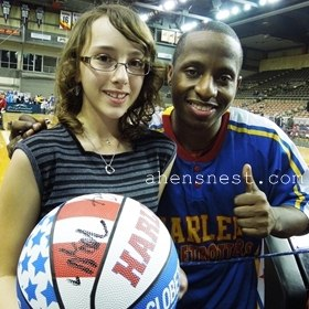 {almost} Wordless Wednesday – Harlem Globetrotters at Tullio Arena