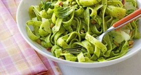 Eating Light – Fettuccine with Spinach Pesto #recipe