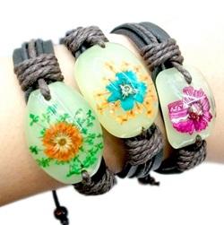 sneakpeeq free bracelet