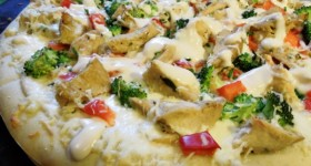 quick chicken alfredo pizza