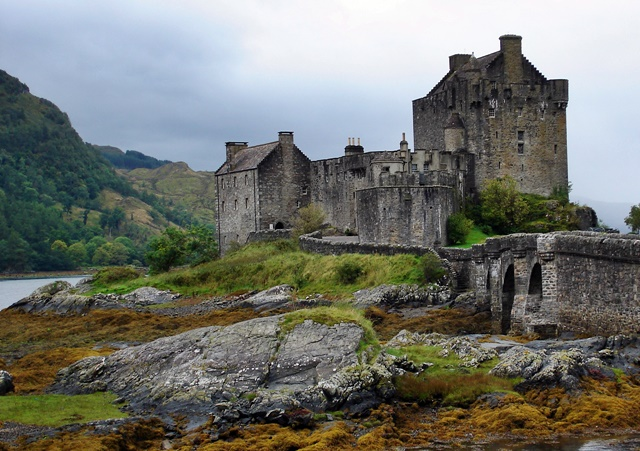 Eilean Donan, Scotland on sxc.hu by smark66