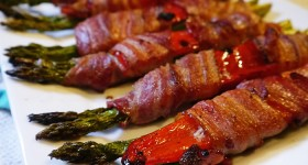Oven Baked Bacon-Wrapped Asparagus and Red Pepper Bundles