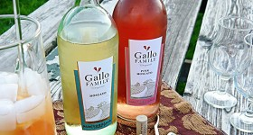 Celebrate National #MoscatoDay with Gallo Family Vineyards Wine!