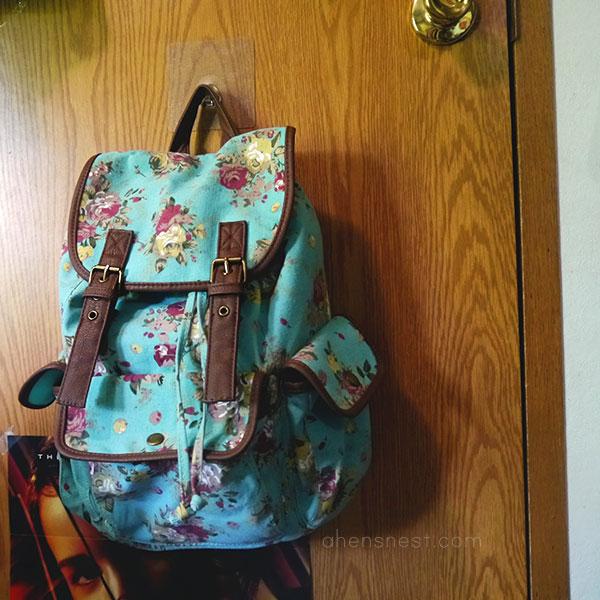 Gecko-Tech-Reusable-Hooks-kids-room