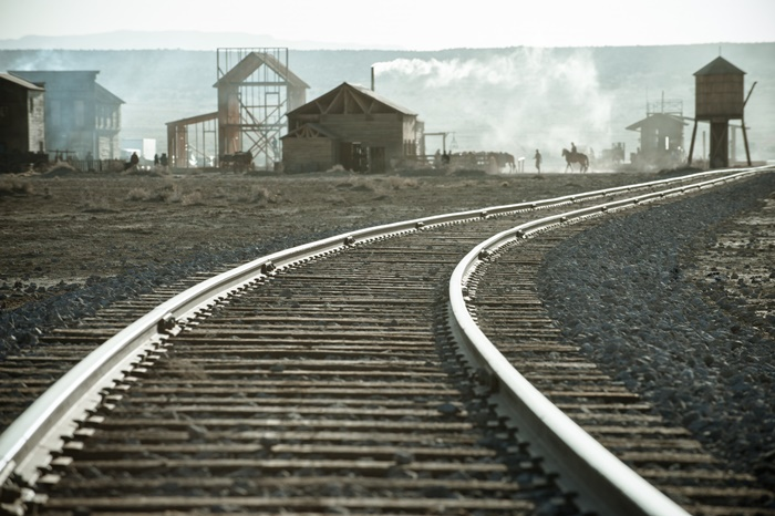 Disneys-The-Lone-Ranger-train-tracks-set