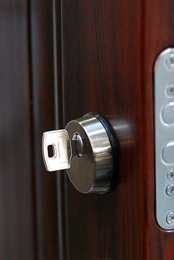 lock-close-up-home-security