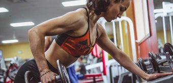 woman-lifting-weights-exercise
